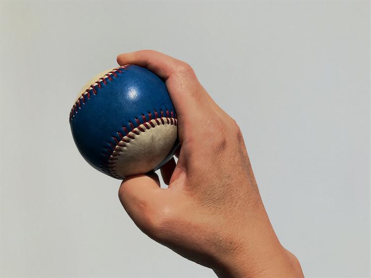 ジャイロボールの握り方